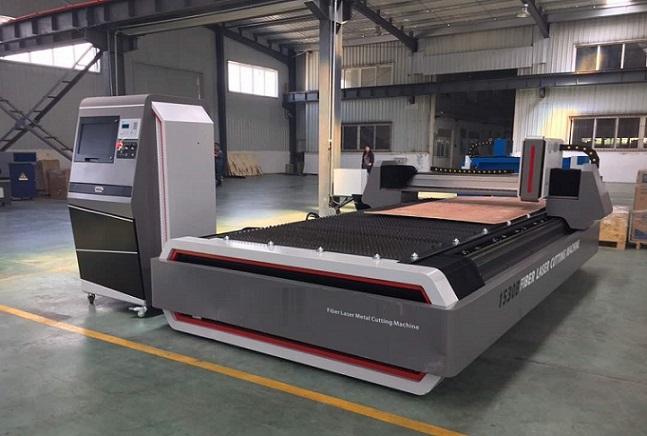 Bảo hành:24 tháng   Model: CNC1530B – Bàn cắt đơn  Lắp ráp tại: Trung Quốc  Giao hàng nhanh– chất lượng tốt – giá cạnh tranh  Dịch vụ hoàn hảo – Hỗ trợ kỹ thuật 24/7